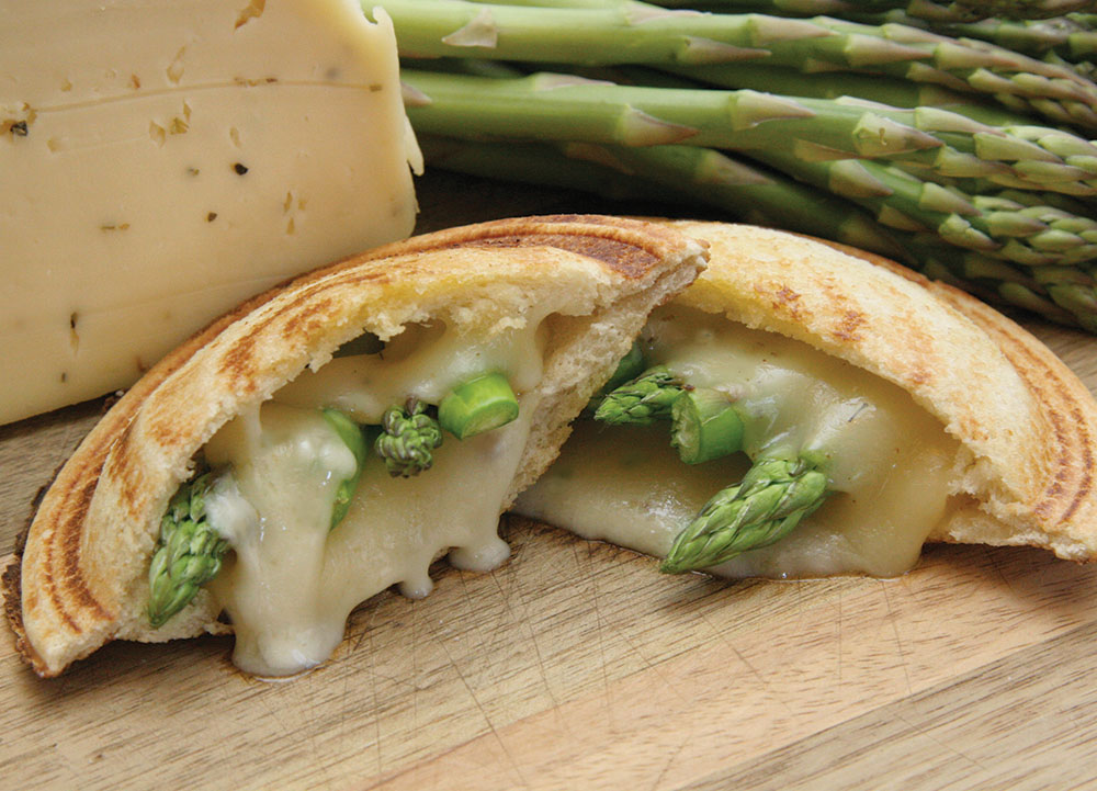 Toas-Tite Pie Iron Camping or Kitchen Recipes. Asparagus and Havarti. Steamed Asparagus. Sliced Havarti Cheese. Toast about 1-1/2 minutes.